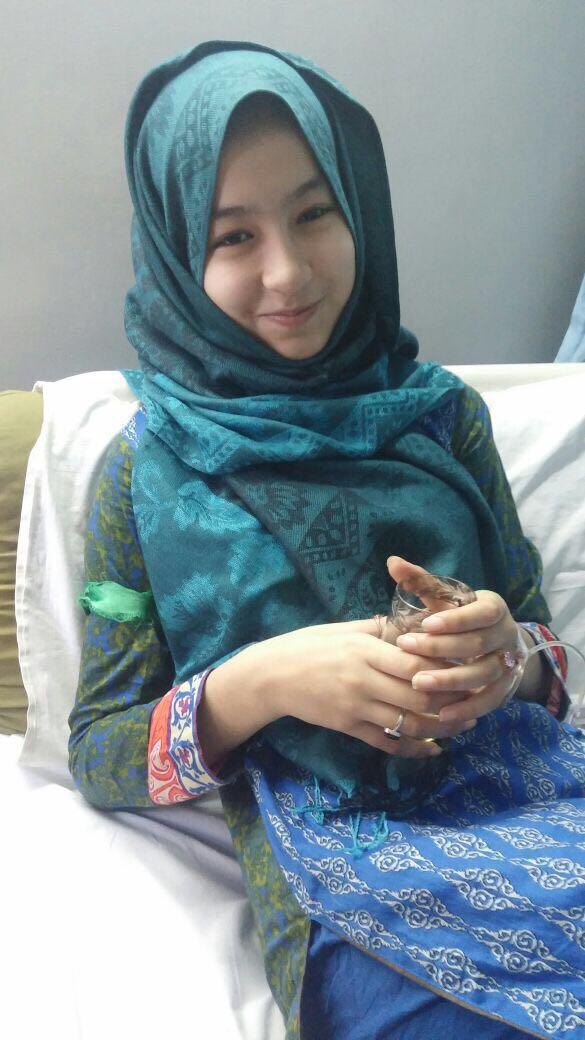 گانچھے سے تعلق رکھنے والی تیرہ سالہ بلڈ کینسر کی مریضہ حجاب زہرا مدد کی منتظر