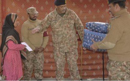پاک فوج کے زیرِاہتمام ضلع گانچھے کے دور افتادہ علاقے فرانو میں مفت طبی کیمپ جاری، فورس کمانڈر نے معائنہ کیا