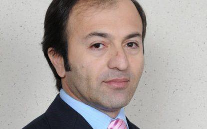 راجہ نظیم الامین کو گلگت بلتستان بورڈ آف انویسٹمنٹ کا وائس چیرمین مقرر ہونے پر مبارکباد پیش کرتے ہیں، جمال کریم