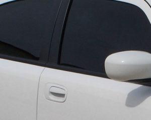 کالے شیشے اور غیر قانونی نمبر پلیٹس والی گاڑیوں کے خلاف غذر ٹریفک پولیس کی کاروائی