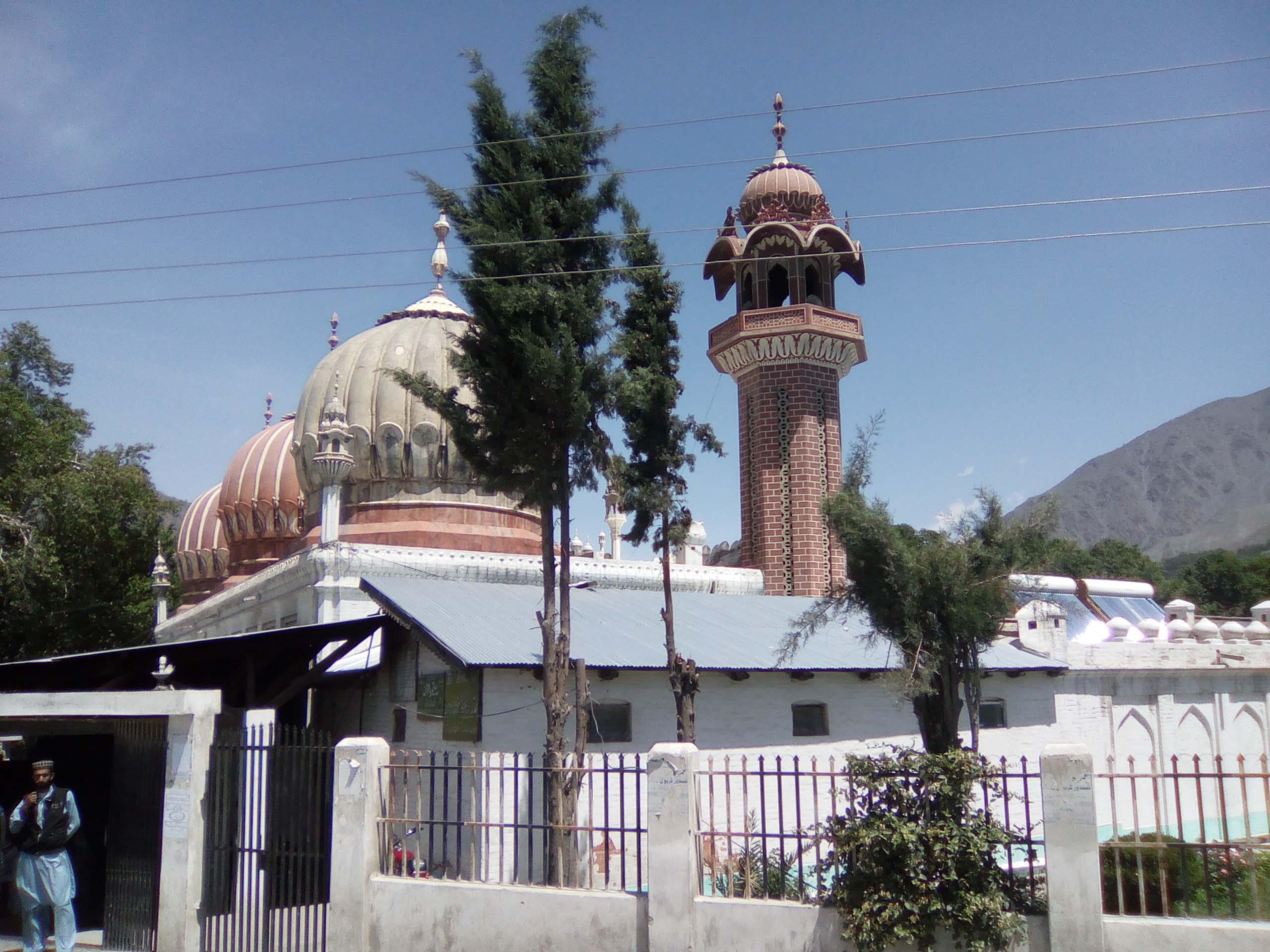 چترال: سخت سیکیورٹی میں نماز جمعہ کی ادائیگی