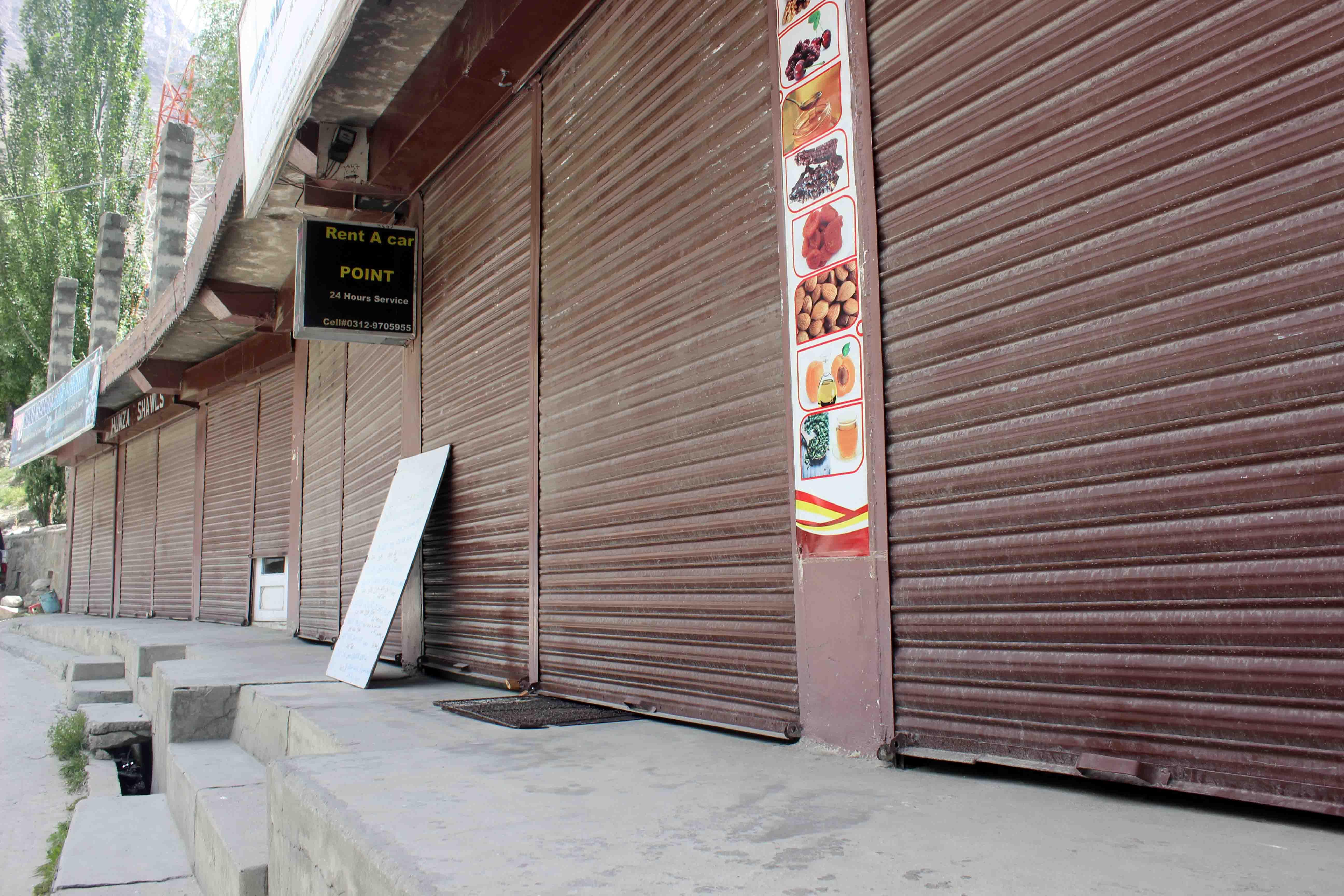 ہنزہ: کاروباری تنظمیوں کے اپیل پر ہنزہ میں کامیاب پہیہ جام اور شٹر ڈاون ہڑتال