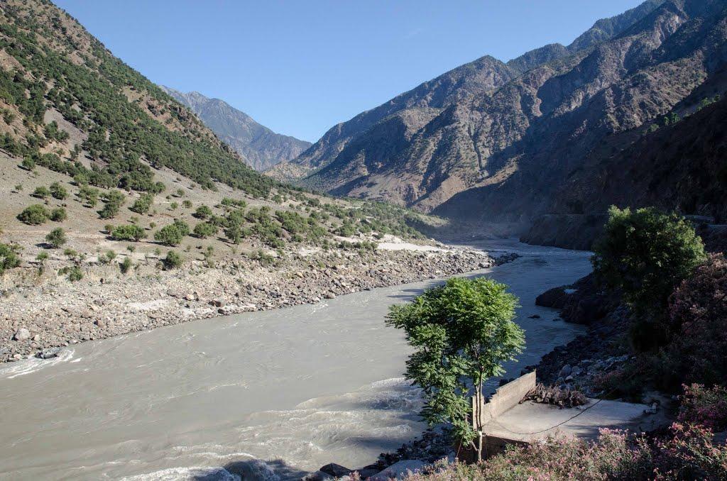 ضلع کوہستان کےعلاقے داسو میں تین لڑکیاں دریا میں گر گئیں، تلاش جاری