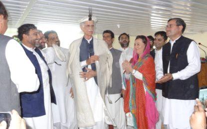 وزیر اعلی پرویز خٹک نے چترال میں یونیورسٹی، پبلک لائبریری اور دیگر منصوبوں کا افتتاح کردیا