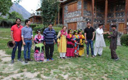 چئیرمین قومی کمیشن برائے انسانی حقوق اور ان کی ٹیم کا وادی کیلاش کا دورہ