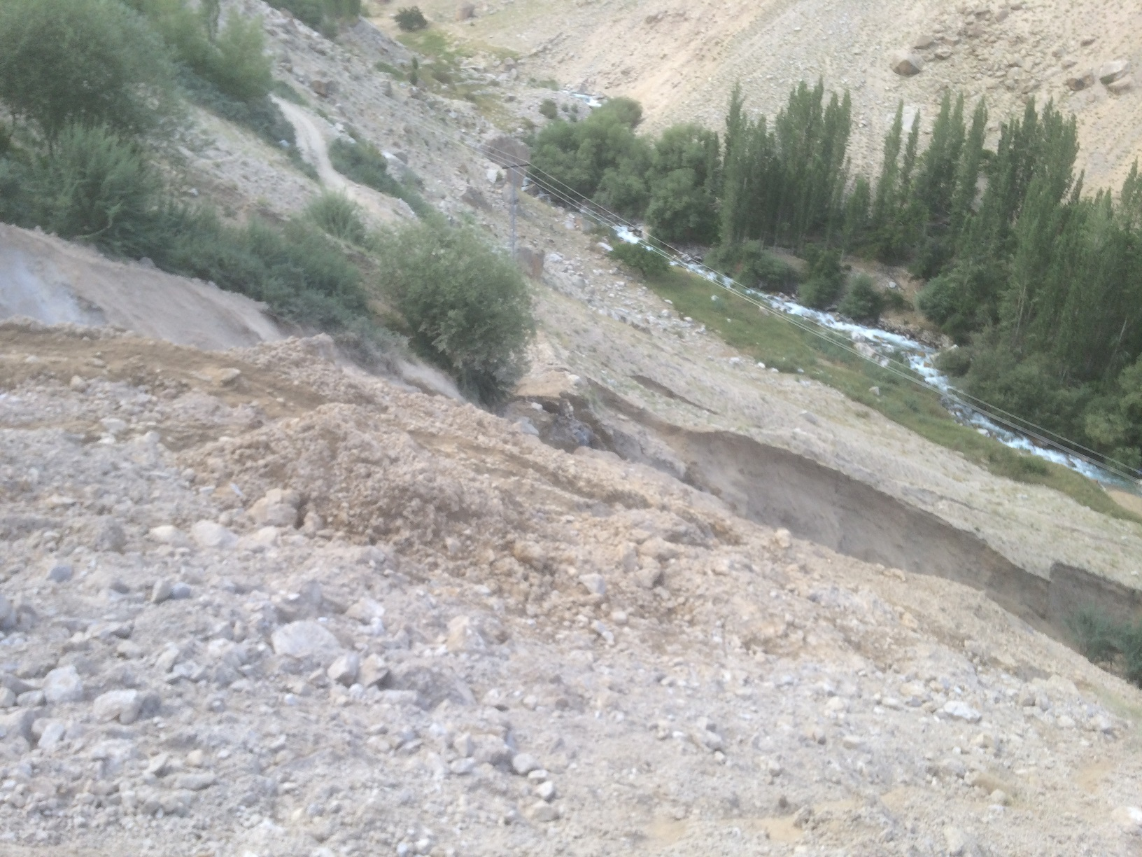 یونین کونسل کتی شو میں آسمانی بجلی اور سیلابی ریلے  نے تباہی مچادی