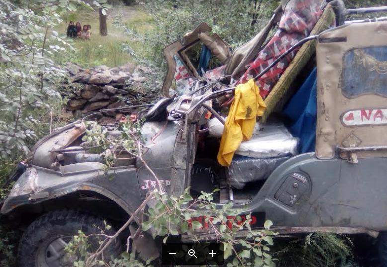 چترال کے علاقے اویر جاتے ہوے جیپ کو حادثہ، ایک شخص جان بحق، ڈرائیور زخمی