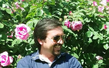 صحنِ کریمی کے پھول اور  خدا بخش سے مکالمہ