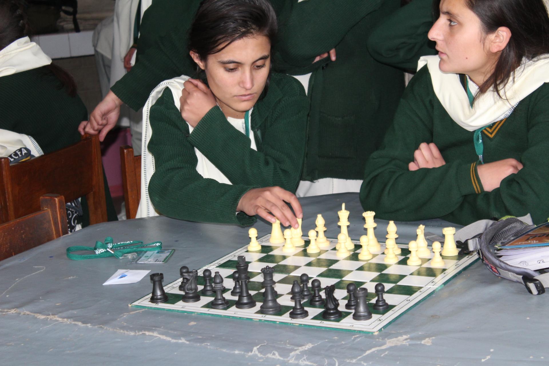 گلگت بلتستان کے مختلف سکولوں میں شطرنج کے مقابلے