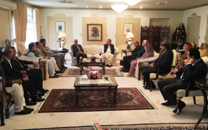 میاں نواز شریف کی وطن واپسی کے موقعے پرپنجاب ہاؤس میں گرینڈ مشاورتی اجلاس میں وزیر اعلی گلگت بلتستان کی شرکت