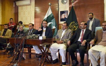 ایسا نظام وضع ہوگا کہ ٹیکس کی رقم گلگت بلتستان کو ملے اورمقامی لوگوں کو ٹیکس میں رعایت ہو۔ وزیر اعلی گلگت بلتستان کااسلام آباد میں پر ہجوم پریس کانفرنس سے خطاب