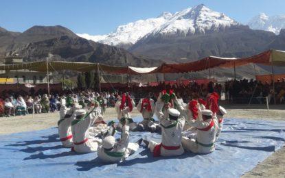 ہنزہ نے سیاحت کے فروغ میں قائدانہ کردار ادا کیا ہے، چیف سیکریٹری کا التت میں جشنِ بہاراں میلے کی تقریب سے خطاب