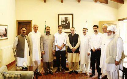 پاکستان تحریک انصاف گلگت بلتستان کے وفد کی عمران خان سے ملاقات، پارٹی امور پر تبادلہ خیال