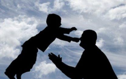 کیا بچے اپنے والدین پر اعتبار کرتے ہیں؟