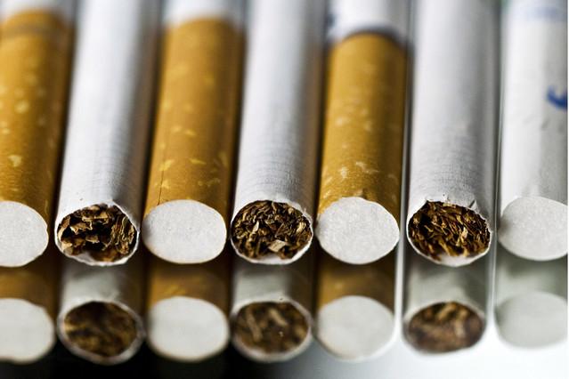 گلگت بلتستان میںسگریٹ مہنگے داموں فروخت ہو رہے ہیں، 50 کا پیکٹ 60 میں مل رہا ہے