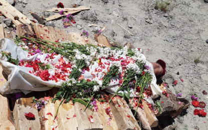 مہم جوئی کے دوران جان بحق ہونے والا چینی سیاح کواردوتھنگ بلتستان میں روایات کے مطابق نذرِآتش