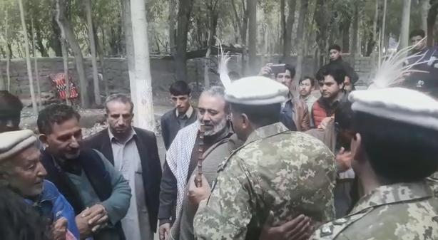 ڈی جی گلگت بلتستان سکاوٹس کی شہید نسیم عباس کے مزار پر حاضری
