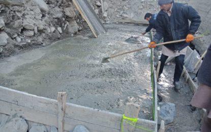یاسین، منفی 8 ٹمپریچر، پُل کی تعمیرکے لیئے سیمنٹ کا کام جاری