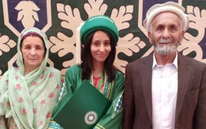 بونی چترال کی رہائشی کرن خان کا اعزاز، آغا خان یونیورسٹی سے ایم فل کی ڈگری حاصل کر لی