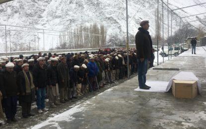 معروف سیاسی و سماجی شخصیت کریم خان انتقال کر گئے، گلمت گوجال میں سپرد خاک