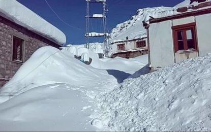 سکردو کا دورافتادہ علاقہ شیلا تمام بنیادی سہولتوں سے محروم، شدید برفباری سے زمینی رابطہ مکمل منقطع