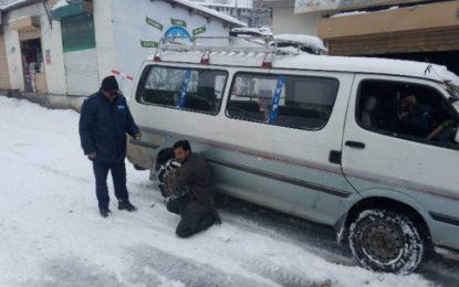 استور:  شدید برفباری سے سکمل روڈ پانچ مہینے سے بند، اشیاء خوردو نوش کی شدید قلت
