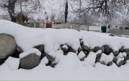 اشکومن میں برفباری کا سلسلہ وقفے وقفے سے جاری
