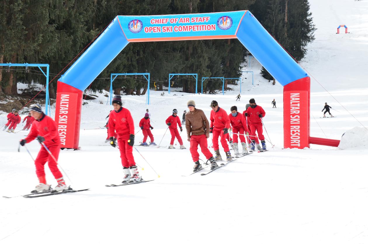 قراقرم الپائن سکی کپ میںشرکت کے لئے 38 بین الاقوامی کھلاڑی نلتر پہنچ گئے