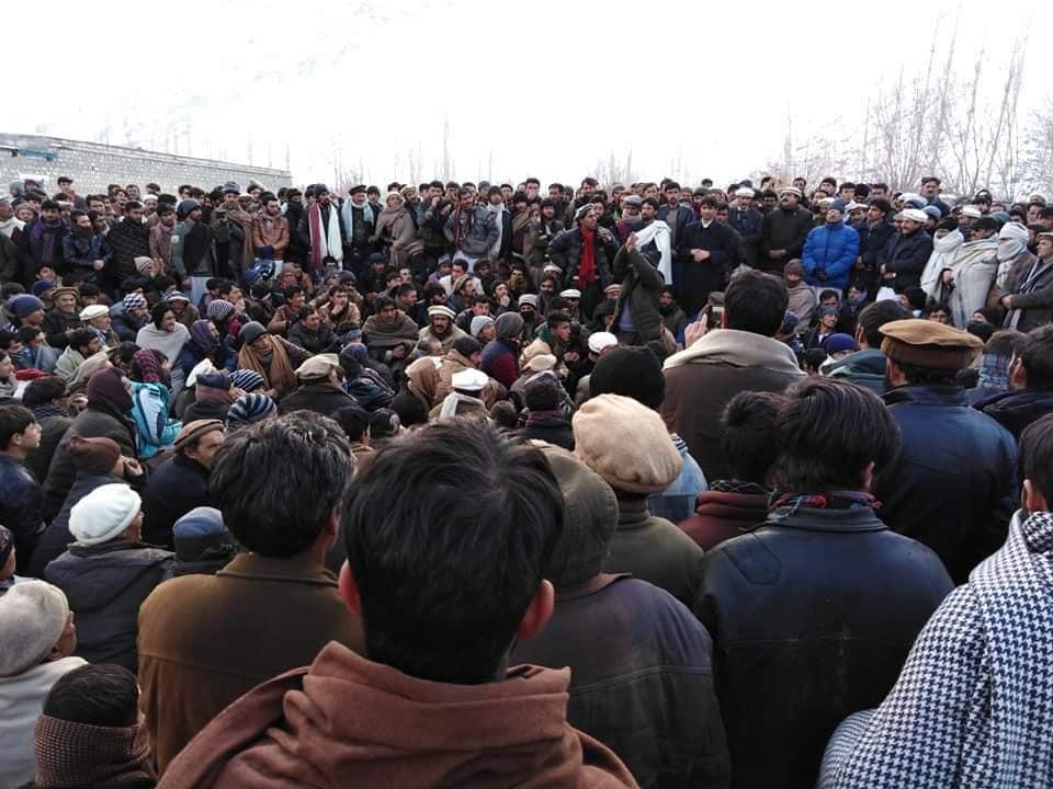 یاسین: لوڈ شیڈنگ کے خلاف عوام سراپا احتجاج، ایف آئی آر ختم کرنے کی یقین دہانی پر احتجاج ختم