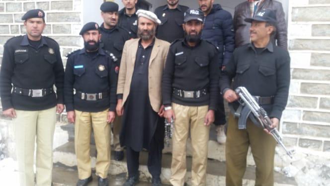 جعلی شناختی کارڈ کے ذریعے پولیس کو نو سالوں تک چھکما دینے والا قتل کا ملزم داسو کوہستان کے عدالت سے گرفتار