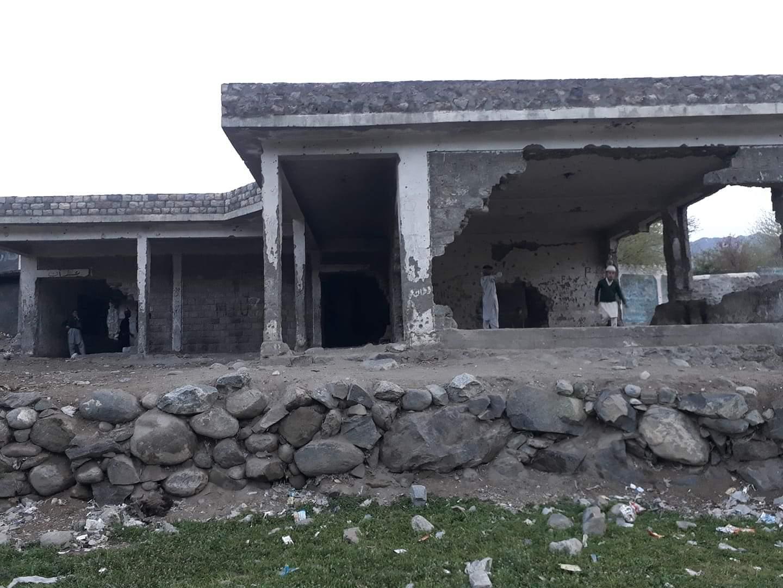 چلاس:شاہین محلے میںواقع سیپ سکول بھوت بنگلہ بن گیا، کھڑکیاں، دیوار، دروازے غائب