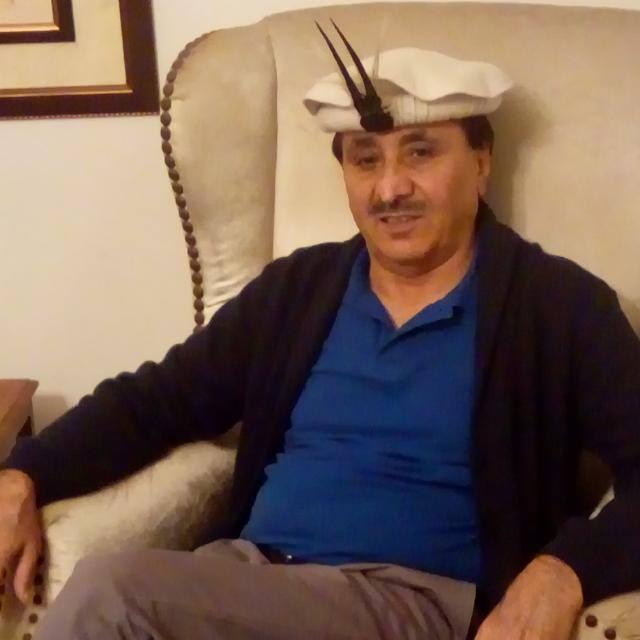 صوبائی حکومت  یارخون بالا اور بروغل میں سنٹرل ایشیاء انسٹیٹیوٹ کے تحت چلنے والے سکولوں اور کالج کا انتظام سنبھالے۔سلطان وزیر