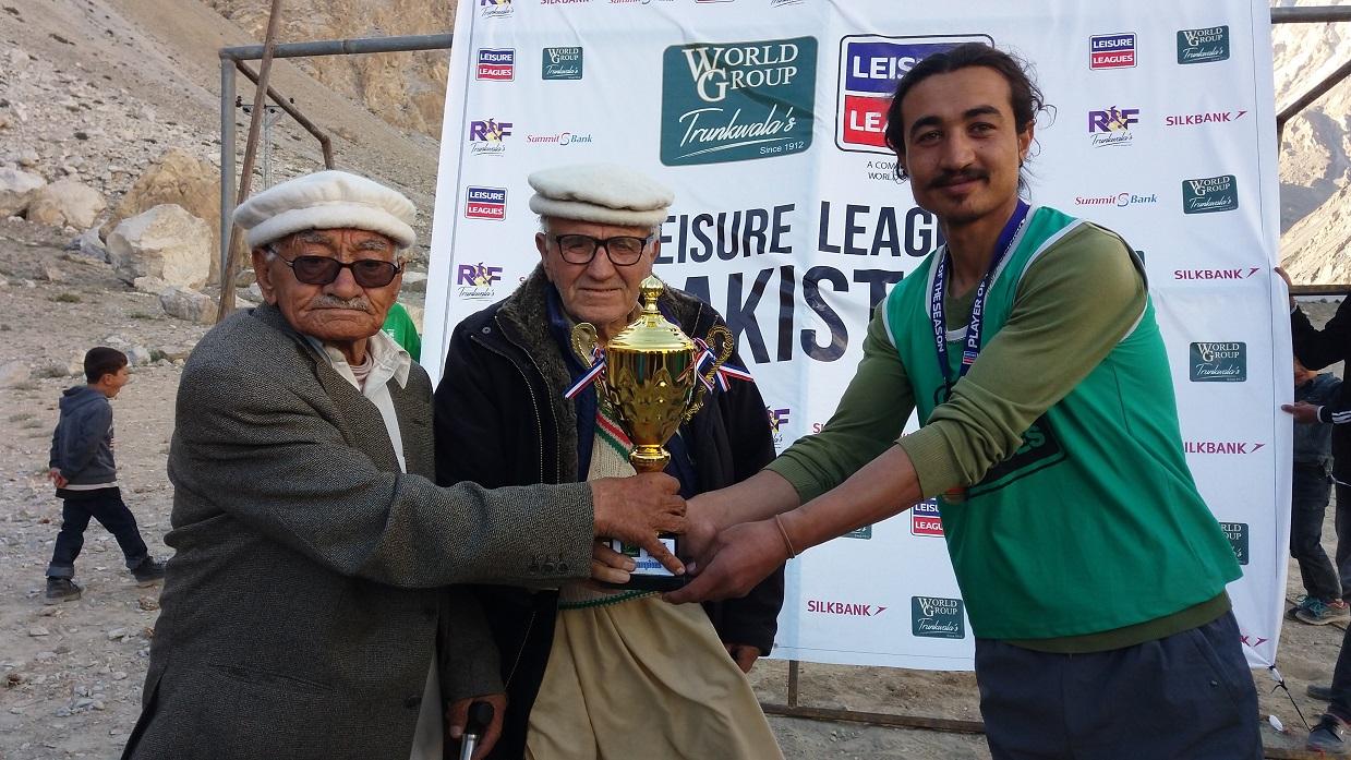 پھسو گوجال میںجاری پاکستان لیژر لیگ پھسو فٹبال کلب نے جیت لی