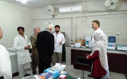 فرانس کے سفیر نے تحصیل ہیڈکوارٹر ہسپتال گرم چشمہ کا دورہ کیا، خدمات کی تعریف