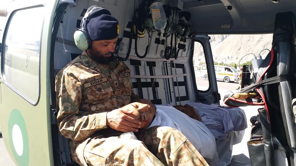 پاک فوج نے بابوسر ٹریفک حادثے میںزخمی ہونیوالوں کے علاج معالجے کے لئے صوبائی حکومت کی پیشکش واپس کردی
