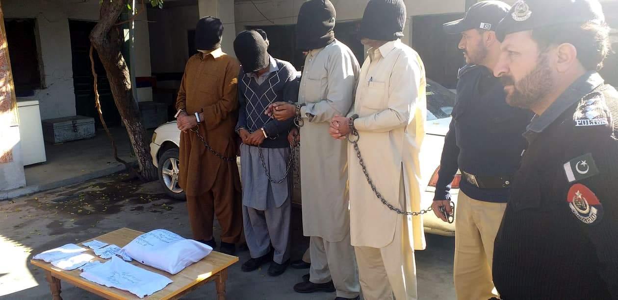 چترال: تہرے قتل میں ملوث اجرتی قاتل سمیت چار ملزمان گرفتار، آلہ قتل،گاڑی اور نقدی برآمد
