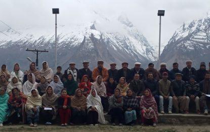 کریم آباد ہنزہ کے مکین شجر کاری مہم میں بھر پور حصہ لیں گے، اجلاس میں فیصلہ